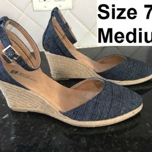 White Mountain Shoes - Denim Espadrille Wedges Size 7 White Mountain